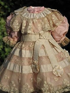 Love the rosettes at the end of the ribbons! French Silk Lace Doll Dress for Antique Dolls Vintage Outfits, Vintage Gowns, Victorian Dolls, Antique Dolls, Beautiful Costumes, Beautiful Outfits, Fashion Dolls, Fashion Outfits, French Silk