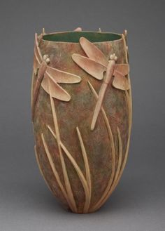 ☆ Grasses Tall on Summer Lake :¦: Wood Sculpture Artistゝ。Ron Layport ☆ Pottery Painting, Pottery Vase, Ceramic Pottery, Ideas Para Trabajar La Madera, Pottery Handbuilding, Sculpture Clay, Metal Sculptures, Abstract Sculpture, Dragonfly Art