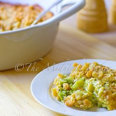 Buttery Broccoli Cheese Casserole | bakeatmidnite.com | #broccoli #sidedishes #thanksgiving