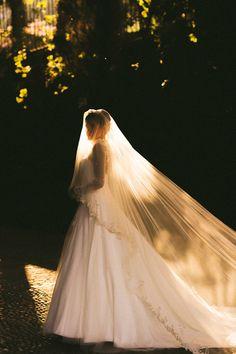 Rosie Londoner, Lake Garda Wedding, Wedding Bouquets, Wedding Gowns, Wedding Venues, Cowgirl Wedding, Camo Wedding, Wedding Rustic, Fairytale Dress