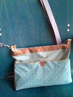 Radau im Nähzimmer: mittwochs mag ich: die farbe blau, meine neue tasche & die csd-linkparty. und streuselkuchen! Designer Bags, Color Blue