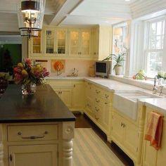 White & Butter kitchen = Sunshine ♡