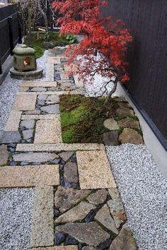 Cool 63 Affordable and Creative DIY Backyard Garden Path on a Budget https://decorapatio.com/2017/05/31/63-affordable-creative-diy-backyard-garden-path-budget/ #Moderngarden