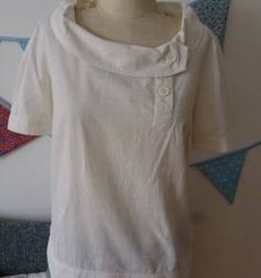 Blusa branca assimétrica