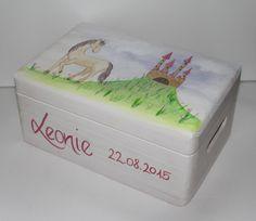 Kisten & Boxen - Spitzbub Erinnerungsbox Erinnerungskiste - Schloß - ein Designerstück von Spitzbub bei DaWanda