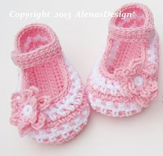 Crochet Shoe Pattern - Crochet Pattern 076 - Crochet Baby Shoes - Baby Boy Slippers - Baby Girl Red Shoes - Blue Booties - Mary Jane Shoes