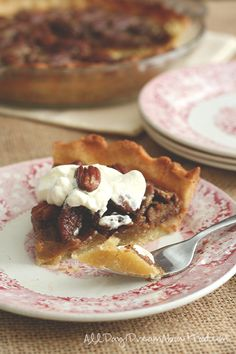 Low Carb Grain-Free Maple Pecan Pie Recipe | All Day I Dream About Food