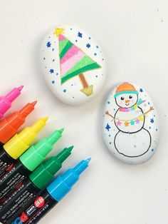 How to Display Holiday Painted Rocks Pebble Painting, Pebble Art, Stone Painting, Shell Painting, Stone Crafts, Rock Crafts, Arts And Crafts, Kid Crafts, Christmas Rock