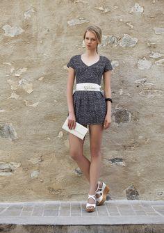 Macaquinho short saia em estampa geométrica. #macaquinho #estampageometrica #cute #summercollection #summer16