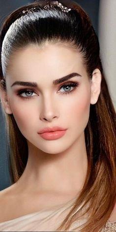 Most Beautiful Faces, Beautiful Girl Image, Beautiful Women, Stunning Eyes, Girl Face, Woman Face, Pretty Makeup, Makeup Looks, Beauté Blonde