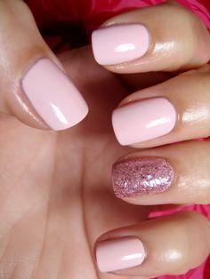 CHINA GLAZE MATERIAL GIRL & AVON PASTEL PINK