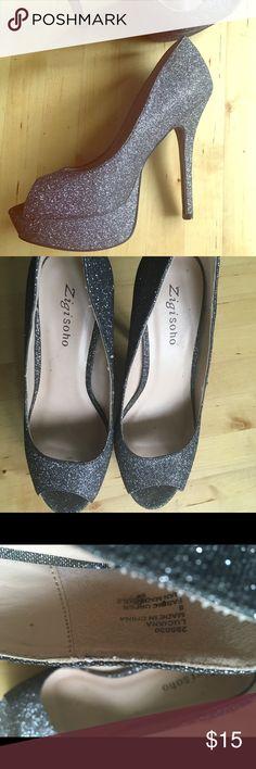 Women's heels Zigisoho sz 8 Women's high heels by Zigisoho. Worn once for a wedding. Absolutely stunning & surprisingly more comfy than I expected. Size 8 Zigi Soho Shoes Heels