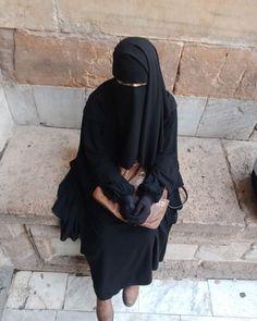 belimiqra24 Muslim Brides, Muslim Girls, Hijabi Girl, Girl Hijab, Hijab Dpz, Islam Women, Face Veil, Hijab Cartoon, Hijab Niqab