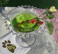 Come pawty with us as we recognize BlogPaws volunteers and community members. DJs, prizes, new friends, old friends and tons o' fun!