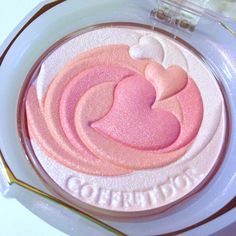 Japanese brand Kanebo's limited edition Coffret D'Or blush/highlighters are uber-pretty !  #japan #makeup #cosmetics