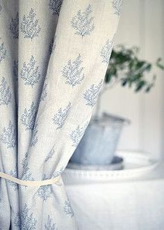Olivia – by Peony & Sage. Particularly gorgeous for relaxed curtains in a… Olivia – by Peony & Sage. Particularly gorgeous for relaxed curtains in [. Cottage Curtains, Gypsy Curtains, Custom Drapes, White Cottage, Cottage Interiors, Curtains With Blinds, Roman Blinds, Cottage Living, Soft Furnishings