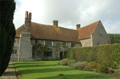 Wickham Manor Farm near Winchelsea used as the bolthole for Sherlock Holmes in the film 'Mr Holmes'. Was the home of William Penn.