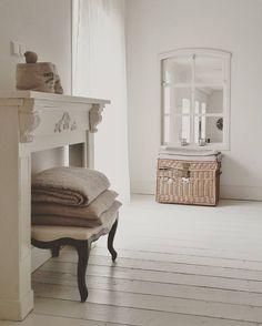 Een vrije dag om te verven in de Bed and Breakfast #verven #painting #ral9010 #wit #white #home #b&b #bedandbreakfast #koesfabriek #sfeer #sfeervolwonen #sfeervolovernachten