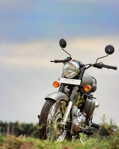 Bullet Bike Royal Enfield For Editing 20 Ideas Best Photo Background, Studio Background Images, Black Background Images, Editing Background, Picsart Background, Portrait Background, Enfield Bike, Enfield Motorcycle, Motorcycle Art