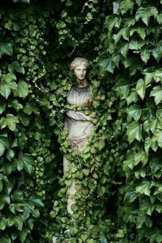 Statues Decor Sculpture - Marble Statues Female - Statues Drawing - Stone Statues Minecraft - Dragon Statues For Sale - Slytherin Aesthetic, Nature Aesthetic, Aesthetic Statue, Aesthetic Green, Plant Aesthetic, Garden Art, Garden Ideas, Garden Painting, Aesthetic Pictures