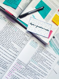 stuhdys:  Monday// Reviewing some economics notes and making flashcards