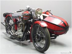 Rhony'x 1929 GX Combination 500 cc Chaise OHC engine Frame No. 866 Engine No 4068 This fine motorcycle and sidecar combination was sold to an Australian enthusiast. Red Motorcycle, Antique Motorcycles, Classic Bikes, Selling Antiques, Motorbikes, Engine, Frame, Simply Red, Replay