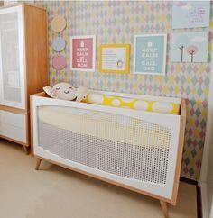 Vocês já repararam como os quartos de bebê e crianças estão cada dia mais moderninhos? Parece que, finalmente, esse estilo de decoração mais cool lá de fora chegou por aqui com força total. Como já contei pra vocês aqui e aqui, os quartos que fiz para…