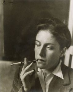 Artist and photographer Dora Maar, muse and companion of Pablo Picasso Dora Maar, Pablo Picasso, Guernica, Famous Artists, Great Artists, Karl Valentin, Ellen Von Unwerth, Louise Bourgeois, Portraits