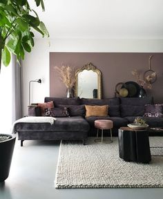 Decorating Your Meditation Room - The Meditation Tree Living Roon, Home Living Room, Living Room Decor, The Sun Today, Lounge, Interior Decorating, Interior Design, Black Walls, Home And Deco