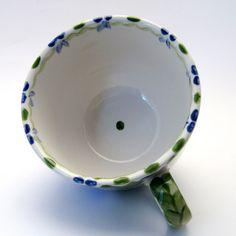 Tassen & Häferl der Familie VertBleu! Die Grün-Blaue Designfamilie von Unikat-Keramik. Das wohl einzigartigste Keramik Geschirr der Welt! Pie Dish, Dishes, Tableware, Unique, Design, Tea Cups, Blue Green, Tablewares, World