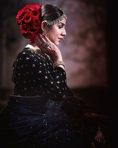 Magical & mesmerizing… that's what your bridal hairstyle should look. If wedding bells are around the corner, these trending floral hairstyles and floral buns are stuff you MUST check out for a perfect wedding day! Indian Wedding Hairstyles, Bride Hairstyles, Hairstyle Ideas, Hair Ideas, Bridal Hair Buns, Bridal Hairdo, Bridal Makeup Tips, Bride Makeup, Wedding Day