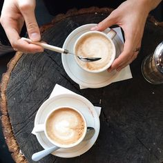 Who do you enjoy your coffee with in the mornings? | @illy_coffee