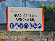 Toodab jääd, mis jahutab maailma sügavaimat kaevandust, mille kivimi temperatuur on 60 kraadi ja tööõhu temperatuur üle 40 kraadi. Ice Plant, Signs, Decor, Decoration, Shop Signs, Decorating, Sign, Deco