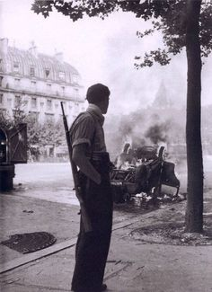 View Place Saint-Michel, Paris by Robert Doisneau on artnet. Browse upcoming and past auction lots by Robert Doisneau. Henri Cartier Bresson, Robert Doisneau, Old Paris, Vintage Paris, Vintage Black, War Photography, Street Photography, Urban Photography, Color Photography