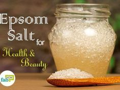 Gone are the days when Epsom salt was only an athlete's antidote to treat sore muscles. This magical salt has crept into every household to solve multiple conundrums. Diy Body Scrub, Face Scrub Homemade, Homemade Skin Care, Epsom Salt For Hair, Salt Hair, Epsom Salt Cleanse, Epsom Salt Foot Soak, How To Detox Your Body Naturally, Natural Face Moisturizer