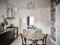 salón negro estilo nórdico blanco y negro estilo escandinavo Elegantes paredes negras decoración salones decoración pisos pequeños decoracion dormitorios blog decoración nórdica