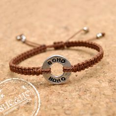 hand made friendship bracelets, personalized, stamps, metal stamping, metal punch, tutorial bracelets