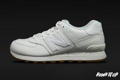 New Balance 574 For Men Sizes: 40.5 to 46.5 EUR Price: CHF 120.- #NewBalance #NewBalance574 #SneakersAddict #PompItUp #PompItUpShop #PompItUpCommunity #Switzerland Baskets, New Balance 574, Chf, Switzerland, Sneakers, Shoes, Tennis, Slippers, Zapatos