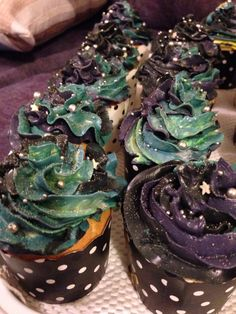 May the Fourth be with you! Galaxy/Nebula cupcake -- six icing colours, three glitters and two cachous sizes for stars
