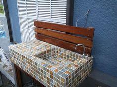 ガーデンシンク - Google 検索 Garden Sink, Exterior Tiles, Water Faucet, Outdoor Living, Home And Garden, Backyard, Diy Crafts, Rustic, Storage