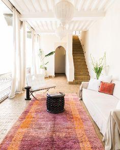 .. White Interior Design, Home Interior, Interior And Exterior, Interior Decorating, Contemporary Interior, Moroccan Lounge, Moroccan Style, Tadelakt, Piece A Vivre