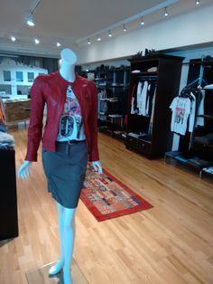Mehr als nur Mode! Marc Cain, Rock, Skirts, Outfits, Fashion, Spring Summer, Leather Jackets, Moda, Skirt