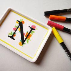 Noëlie | Calligraphique (@calligraphique) • Photos et vidéos Instagram Plastic Cutting Board, Photos, Instagram, Calligraphy, Objects, Pictures