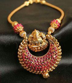 Kemp  necklace