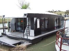 14.5 m HOUSEBOAT