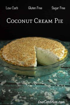 A low carb pie perfect to serve on holidays. This sugar free coconut cream pie recipe has a light and flaky gluten free crust with a smooth creamy filling. Keto Desserts, Sugar Free Desserts, Sugar Free Recipes, Paleo Dessert, Dessert Recipes, Dessert Ideas, Cake Ideas, Low Carb Deserts, Low Carb Sweets