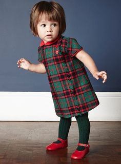Very cute tartan kids dress, La Coqueta Kids, Minimoda. Fashion Kids, Little Girl Fashion, Toddler Fashion, Fashion Fashion, Outfits Niños, Baby Outfits, Kids Outfits, Tartan Fashion, Stylish Kids