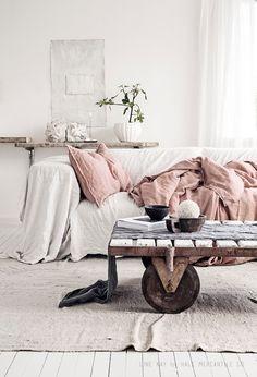 Beautiful linen in a dreamy Norwegian home