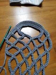 NaLaN& World: Tricotons un sac en filet . Crochet Clutch, Crochet Handbags, Crochet Purses, Love Crochet, Irish Crochet, Crochet Yarn, Making Scarves, Crochet Market Bag, Macrame Bag