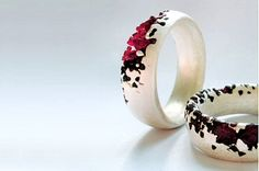 TheCarrotbox.com modern jewellery blog : obsessed with rings // feed your fingers!: Polly Wales
